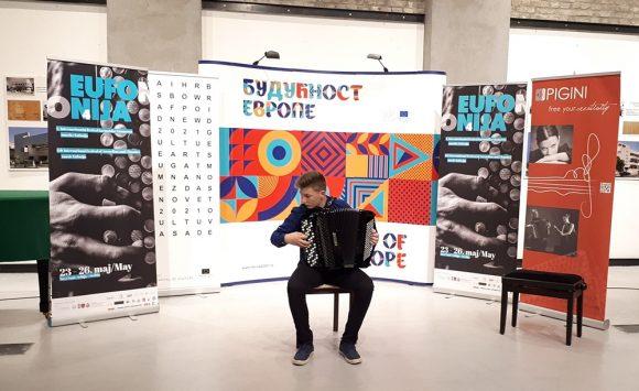 """Učenici osvojili 4 prve nagrade na festivalu harmonike i komor. sastava """"Eufonija"""" (Novi Sad, Srbija)"""