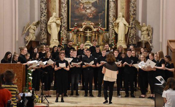 Mješoviti zbor GŠP nastupio na Antunovskom koncertu