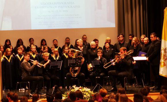 """Nastup naših učenika na svečanom otvorenju izložbe """"Papa Franjo u Izraelu"""""""