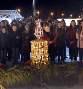 Paljenje prve adventske svijeće u Pleternici