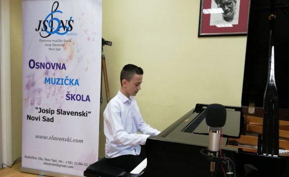 """Patrick Tomljanović prvonagrađeni na XII. međunarodnom pijanističkom takmičenju """"Slavenski"""" (Novi Sad)"""