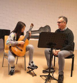 Xevded Sahatxhija održao seminar za učenike gitarskog odjela