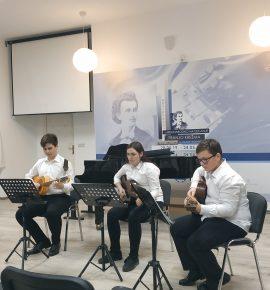 Naši učenici nastupali u Glazbenoj školi Josipa Runjanina u Vinkovcima