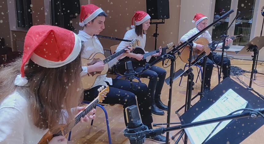 Pogledajte uradak Mlađeg tamburaškog kvarteta Glazbene škole Požega