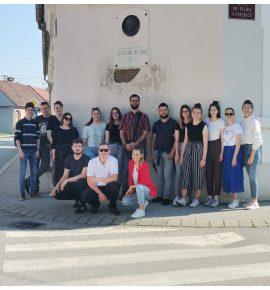 Učenici pod nastavom povijesti istražuju grad